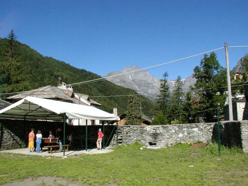 Ecco 'PIAZZETTE VIVA', per far rinascere la casa alpina della S.Maria. Parte la raccolta fondi (FOTO)
