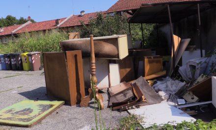 REPORTAGE – Case Esedra, a due passi della Reggia rifiuti, degrado ed abbandono