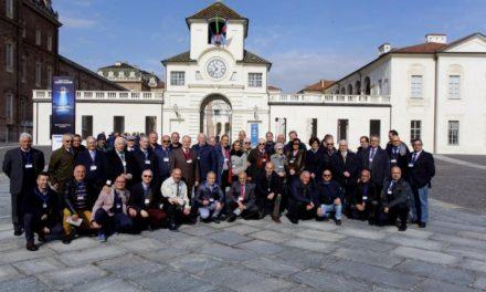"""Occhi inumiditi dall'emozione per il raduno degli ex """"CREMONA"""" (FOTO)"""